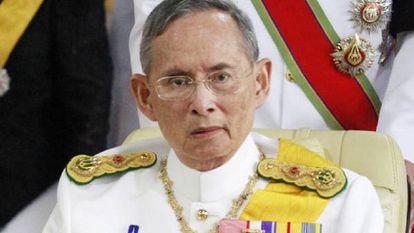 O rei da Tailândia, Bhumibol Adulyadej, em abril de 2012, em Bangkok.