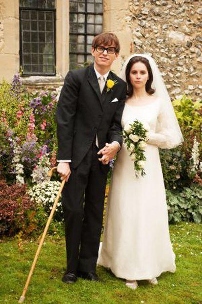 Eddie Redmayne (Stephen Hawking) e Felicity Jones (Jane) em cena de 'A Teoria de Tudo'.