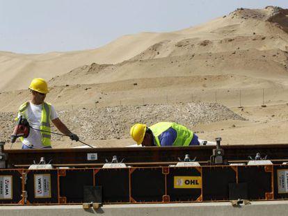 Vista das obras do AVE que está sendo construído na Arábia Saudita. / Chema Moya (EFE)