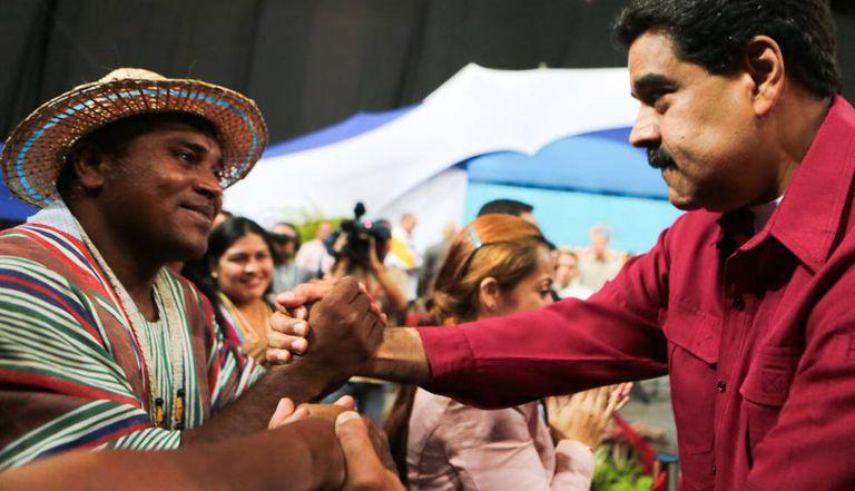 O presidente da Venezuela durante um encontro com os constituintes recém-eleitos.