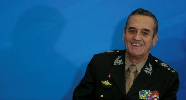 Eduardo Villas Boas, comandante do Exército, em abril de 2017.