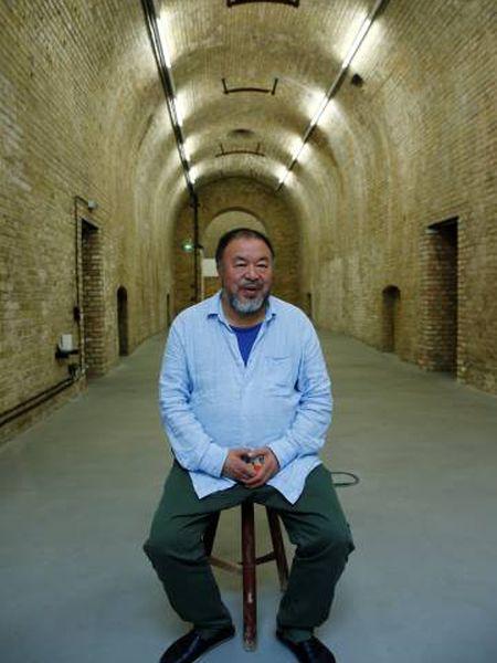Ai Weiwei em seu estúdio em Berlim no dia 13 de julho