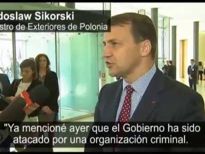 Um escândalo de escutas telefônicas sacode a Polônia