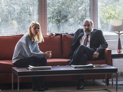 Claire Danes e Mandy Patinkin, na sexta temporada de 'Homeland'.