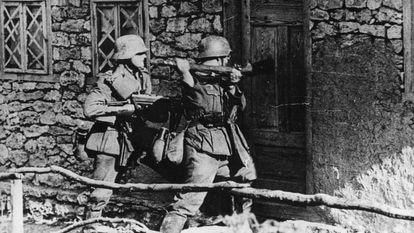 Tropas alemãs durante a Operação Barbarossa, no verão europeu de 1941.