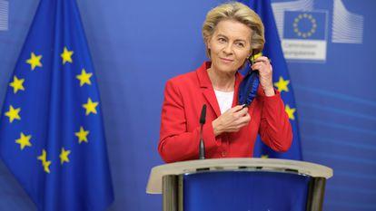 A presidenta da Comissão Europeia, Ursula von der Leyen, durante seu pronunciamento em Bruxelas.