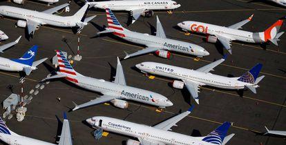 Aviões 737 Max de diferentes companhias aéreas estacionados nas instalações da Boeing em Seattle (Washington, EUA).
