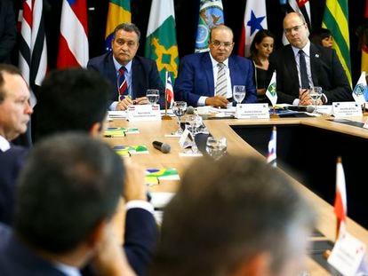 Fórum de Governadores discute Fundeb e ICMS em Brasília.