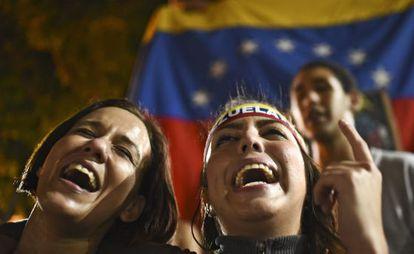 Oposicionistas comemoram em Caracas.