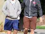 El actor Arnold Schwarzenegger y su hijo Christopher en Santa Mónica (California), en una imagen de octubre de 2010.