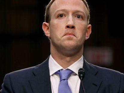Um dia depois de ir ao Senado dar explicações sobre roubo de dados da Cambridge Analytica, fundador do Facebook presta contas à Câmara nesta quarta