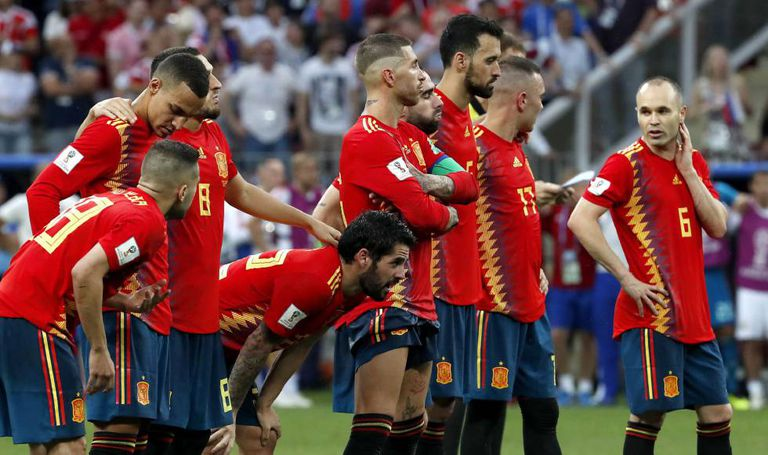 Seleção espanhola se despede da Copa após derrota nos pênaltis.