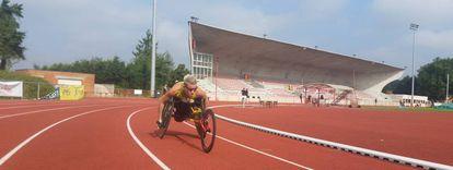 Marieke Vervoort treinando para os Jogos do Rio na pista de Lovaina.