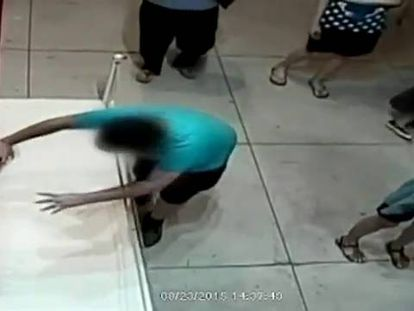 Criança de Taiwán tropeça e estraga um quadro de 1,5 milhão de dólares