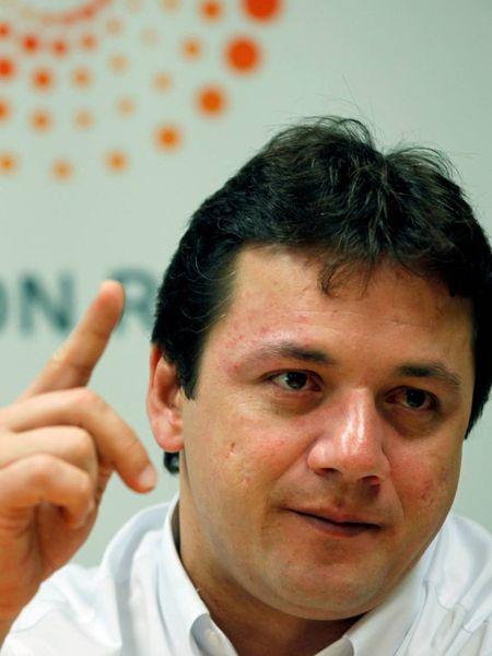 Wesley Batista discursa em evento promovido pela Reuters em março de 2011
