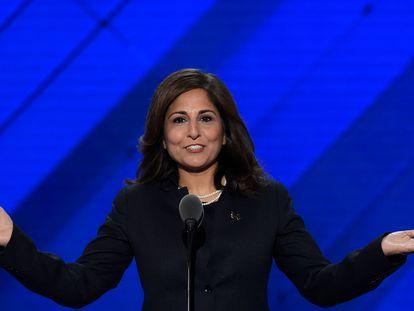 Neera Tanden, escolhida para dirigir o Escritório de Administração e Orçamento dos EUA, em foto de 2016, na Filadélfia.