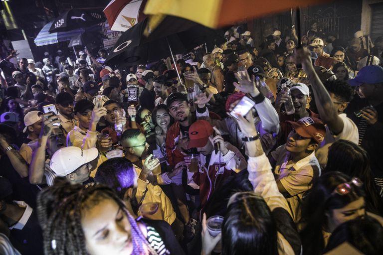 Baile da Dz7, em Paraisopolis na madrugada do dia 8, uma semana depois do massacre.