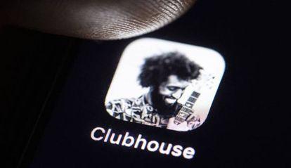 Uma imagem do Clubhouse, a rede social de áudio.