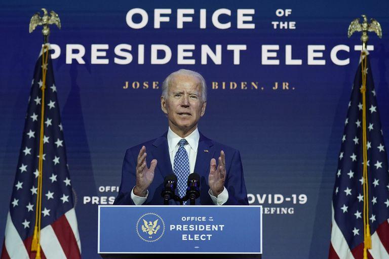 O presidente eleito dos EUA, Joe Biden, apresenta suas medidas contra a covid-19 em pronunciamento nesta segunda.