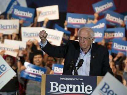 Bernie Sanders neste sábado no Texas, após sua vitória em Nevada.