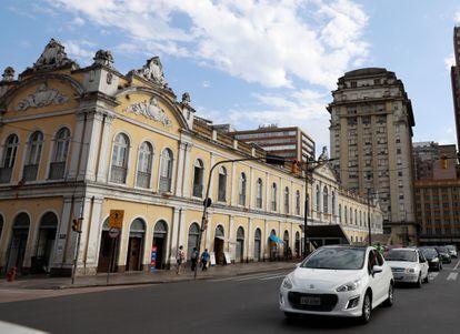 Em 1º de abril, manifestantes pró-Bolsonaro pediram a reabertura do comércio em Porto Alegre, numa carreata.