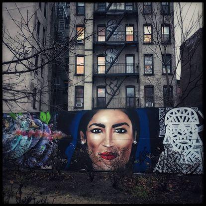 Mural com a imagem de Alexandria Ocasio-Cortez em Nova York.