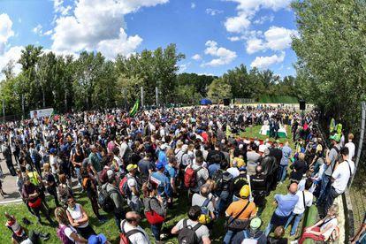Várias pessoas participaram de uma cerimônia nesta quarta, em Ímola, onde Senna morreu há 25 anos, no Grande Prêmio de San Marino.