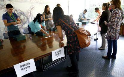 Os brasileiros votam na Casa do Brasil, em Madri, no último 5 de outubro.