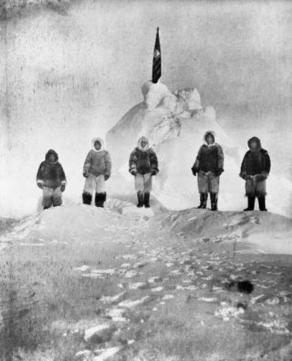 Matthew Henson e os inuits Ootah, Egingwah, Seegloo e Ookeah.