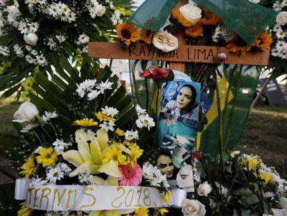 Estudantes da Universidad Americana (UAM), na Nicarágua, realizam homenagem à brasileira Rayneia Gabrielle Lima, assassinada no país.