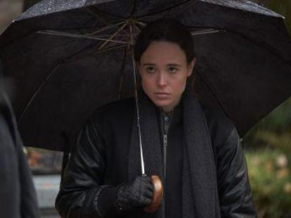 Atriz estreia 'The Umbrella Academy', uma série da Netflix sobre uma família disfuncional de super-heróis