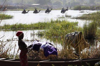 Lago Chade. Por volta de 20.000 nigerianos fugiram para o Chade, Níger e Camarões nas últimas semanas diante dos ataques contínuos do Boko Haram a suas aldeias.