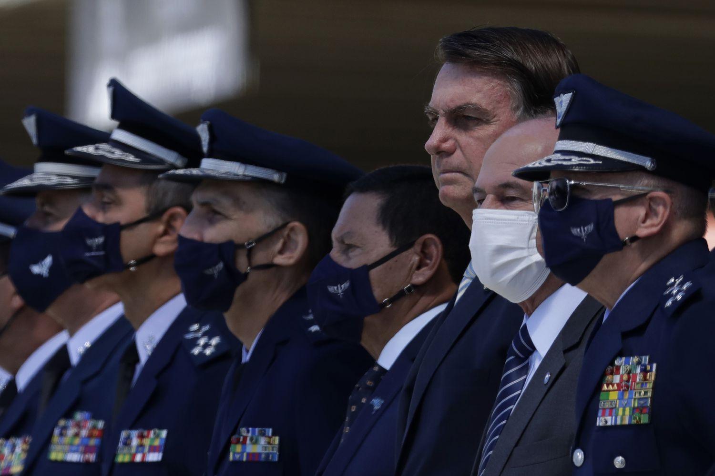 Sem máscara, o presidente Jair Bolsonaro participa de evento em comemoração aos 80 anos da Aeronáutica, na quarta passada.