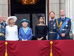 London (United Kingdom).- (FILE) - (L-R) Britain's Charles, the Prince of Wales; Prince Andrew, Duke of York; Camilla, Duchess of Cornwall; Queen Elizabeth II, Meghan, Duchess of Sussex; Prince Harry, the Duke of Sussex; Prince William, Duke of Cambridge and Catherine, Duchess of Cambridge on the balcony of Buckingham Palace during the RAF100 parade celebrations in London, Britain 10 July 2018 (reissued 13 January 2020). Senior members of Britain's royal family are expected to meet at Sandringham to discuss Prince Harry and Meghan, the Duke and Duchess of Sussex's future role after the couple have announced in a statement on 08 January 2020 that they will step back as 'senior' royal family members and work to become 'financially independent'. (Duque Duquesa Cambridge, Lanzamiento de disco, Reino Unido, Londres) EFE/EPA/STR UK AND IRELAND OUT SHUTTERSTOCK OUT *** Local Caption *** 55755987