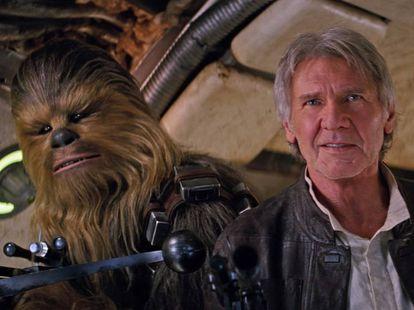 Han Solo (Harrison Ford) e Chewbacca.