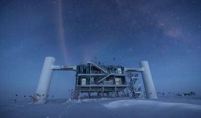Laboratório do detector de neutrinos IceCube, na base Amundsen Scott na Antártida.