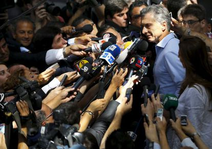 Mauricio Macri fala com a imprensa.