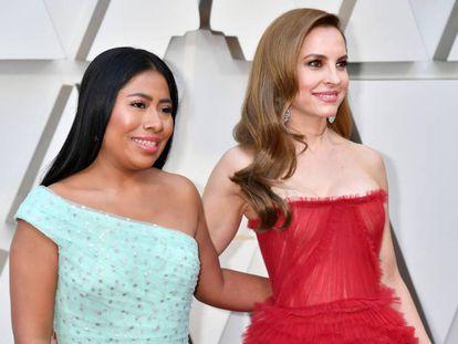 Yalitza Aparicio e Marina de Tavira, atrizes de 'Roma' chegam à cerimônia.