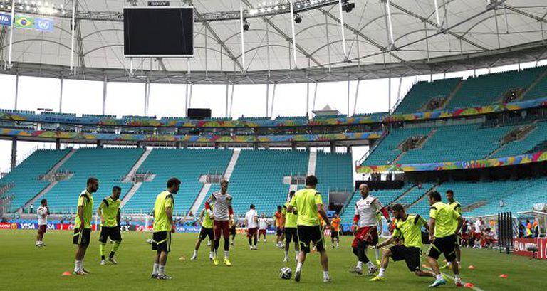 Os jogadores espanhóis, no treinamento de ontem.