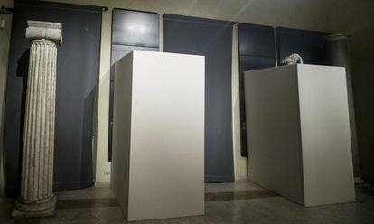Estátuas cobertas nos Museus Capitolinos pela visita de Rohani.