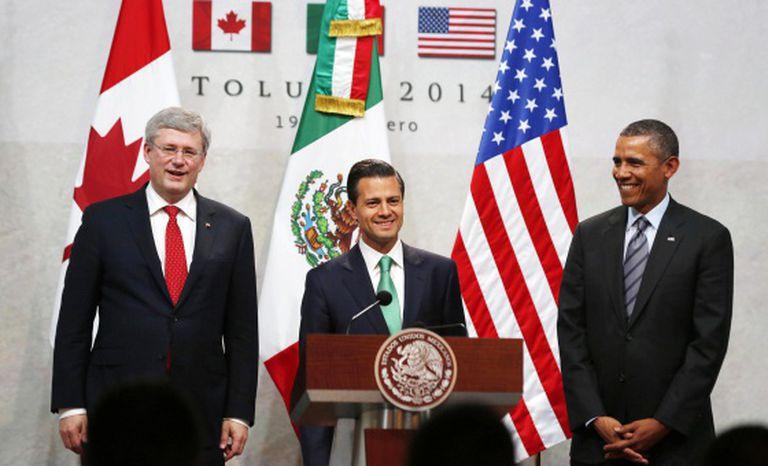 Obama, Peña Nieto y Harper, na cimeira de Toluca (méxico) nesta quarta-feira.