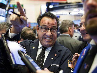 Operadores financeiros em Nova York.