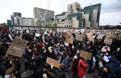 Manifestação antirracista em Londres neste domingo.