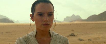 Daisy Ridley como Rey, personagem da saga 'Star Wars'.