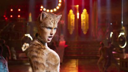 Taylor Swift, no papel da gata Bombalurina, da tribo Jellicles.