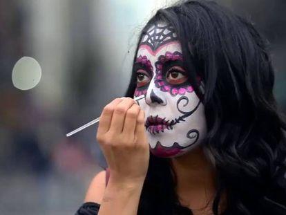 La Catrina é uma das figuras mais presentes na festa do Dia dos Mortos, no México.