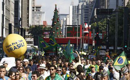 Terceiro protesto anti-PT em São Paulo.