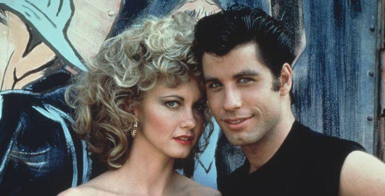 A história de Olivia Newton-John e John Travolta não supera o exame do tempo.