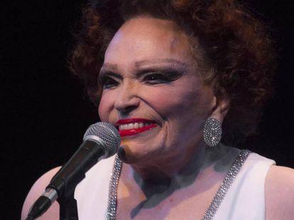 Bibi Ferreira, durante uma apresentação.