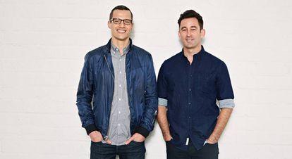 Matt Cummins e, à direita, Matt Pohlson, fundadores da Omaze.